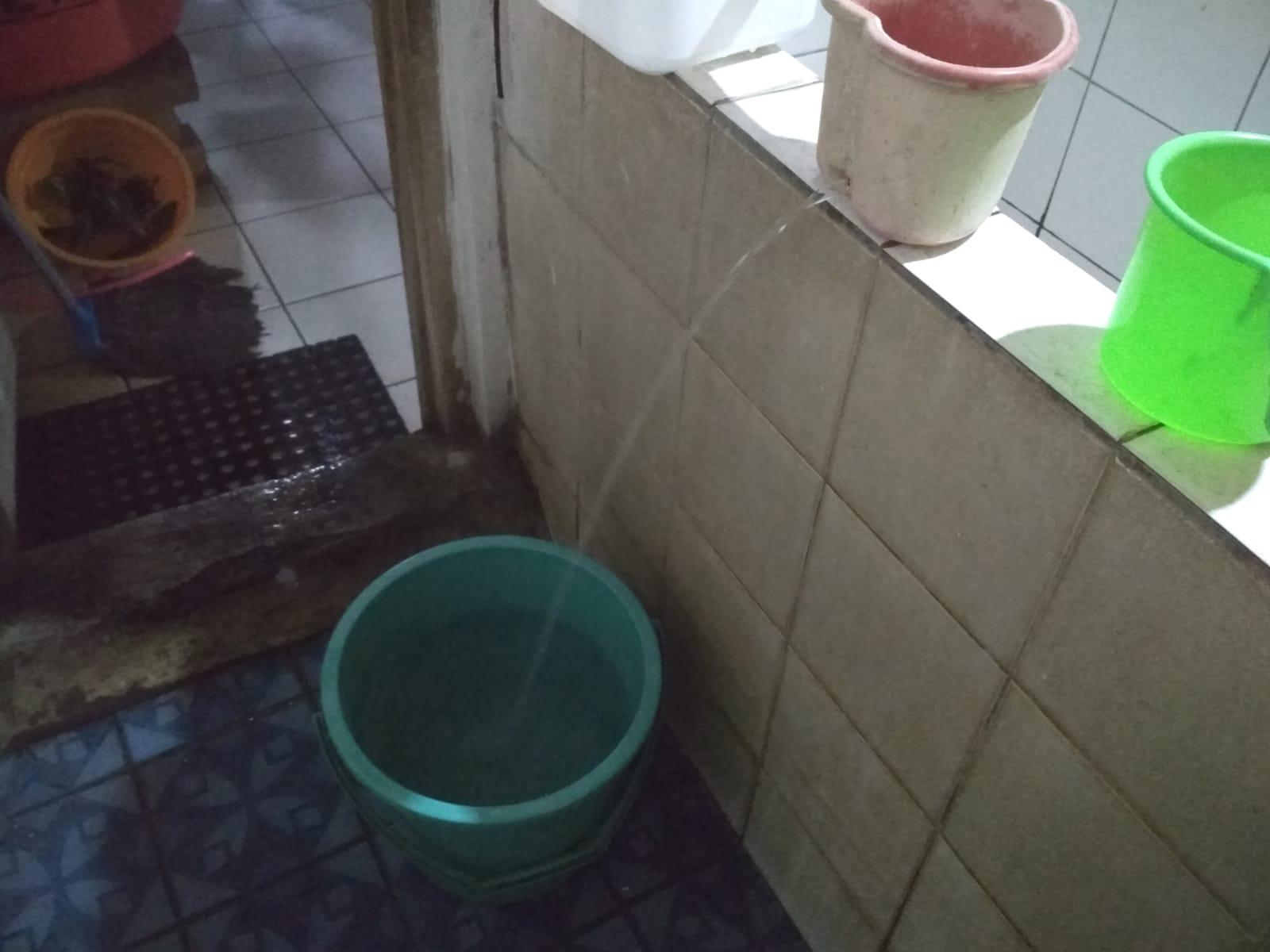 Memanfaatkan Air Bekas Wudhu untuk Penyiraman Tanaman